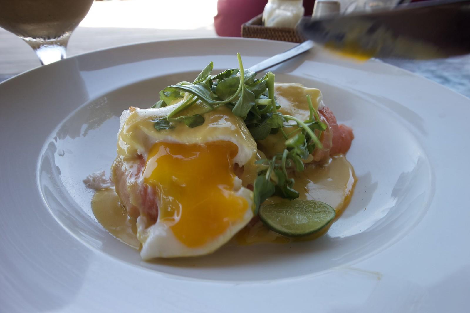 Mowies eggs benedict