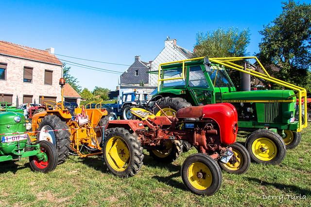 Concentration de vieux tracteurs agricoles