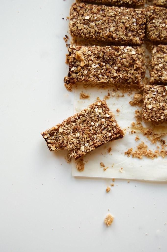 Vegan Toasted Almond Oat Jam Bars 2
