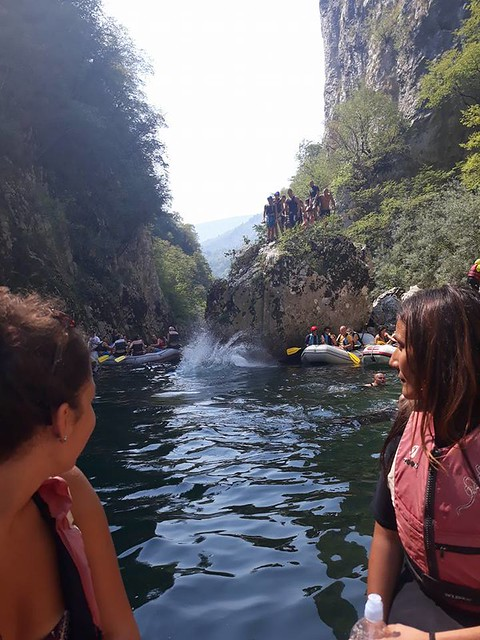 Canyon Neretva is easy for rafting