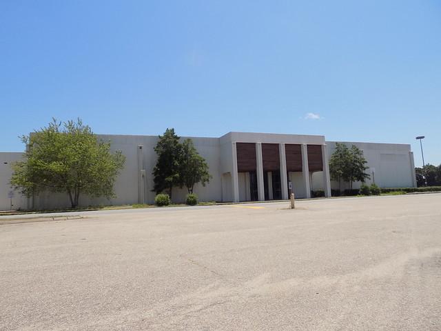 Becker Village Mall of Roanoke Rapids, NC