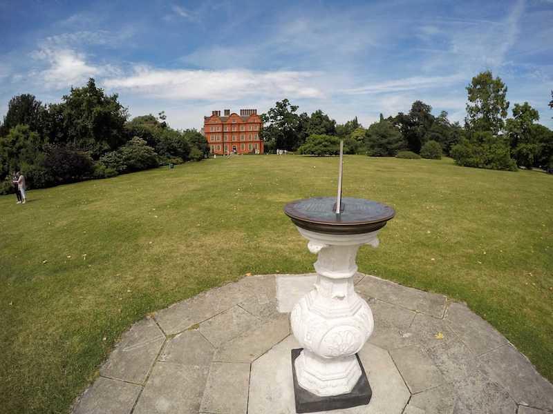 Kew Gardens sundial