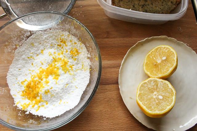 Looneyspoons Light and Lemony Poppy Seed Loaf