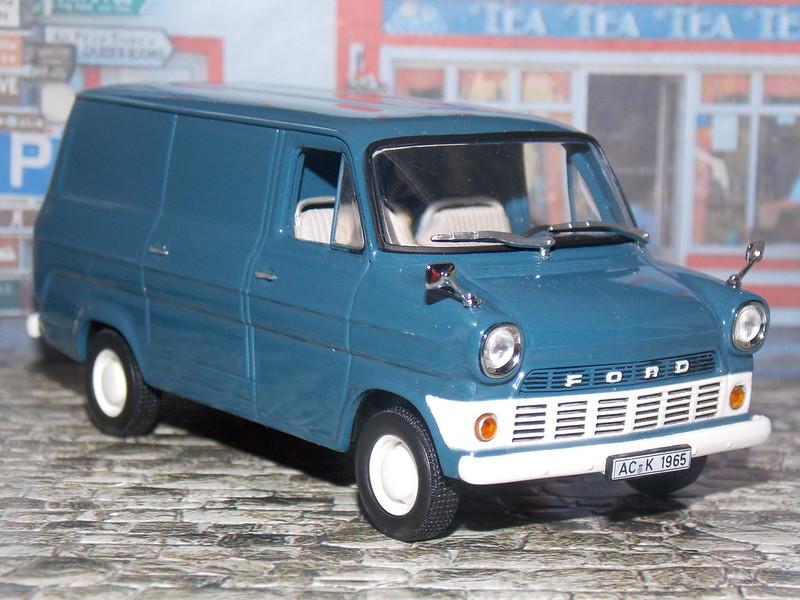 Ford Transit Kastenwagen – 1965 - Minichamps