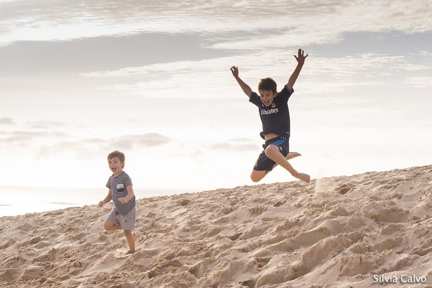 Saltando en la Duna de Pilat - Arcachón Francia