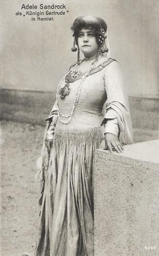 Adele Sandrock in Hamlet