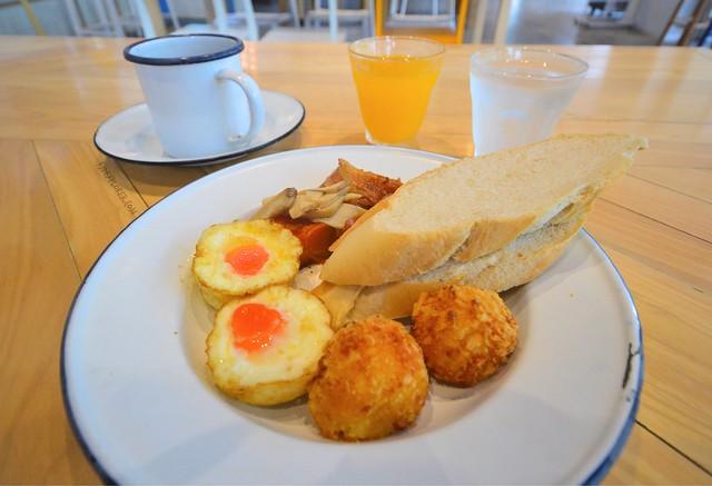 lub d phuket patong breakfast