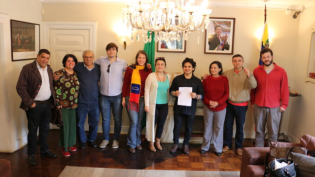 Comitê Brasileiro Pela Paz entrega manifesto de apoio à Venezuela