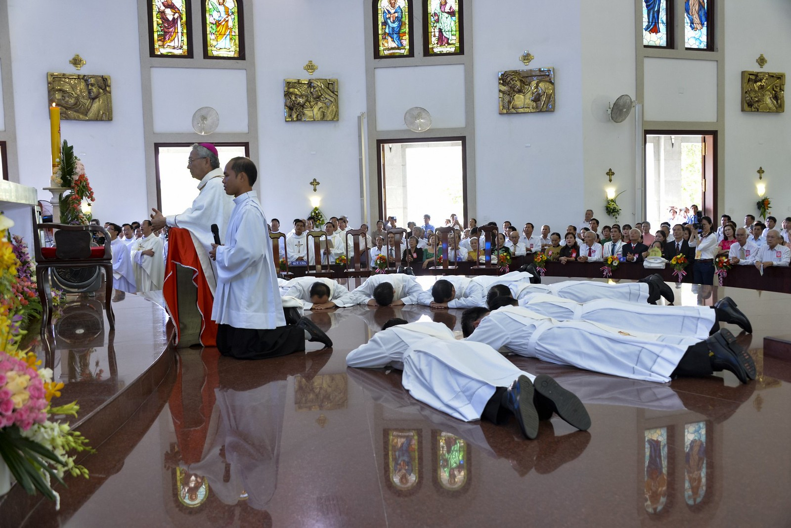Giáo phận Bà Rịa: Thánh lễ Truyền chức Linh mục 2017 - Ảnh minh hoạ 14