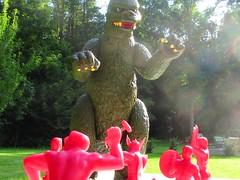 Marvel Heroes Vs. Godzilla 001