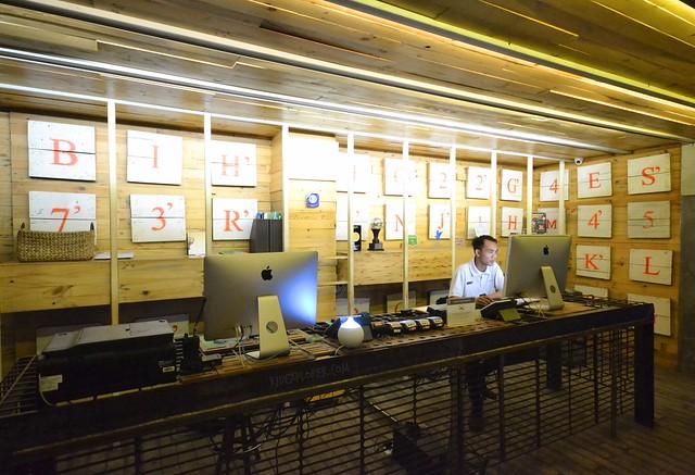 greenhost boutique hotel yogyakarta front desk