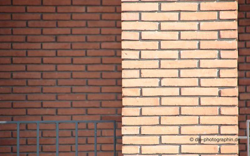 09-17_roteZiegel-wallpaperliebe-fotoprojekt17-mauern-diephotographin