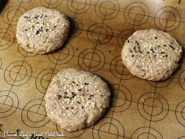 gluten-free-keto-burger-bun (3)