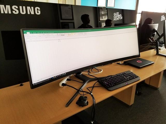 CHG90-QLED-Gaming-Monitor-samsung (5)