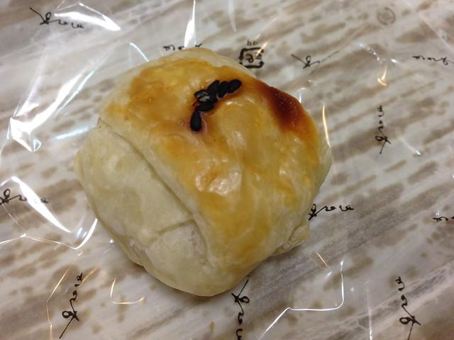 gifu-takayama-toraya-steamed- bean-jam-bun-06