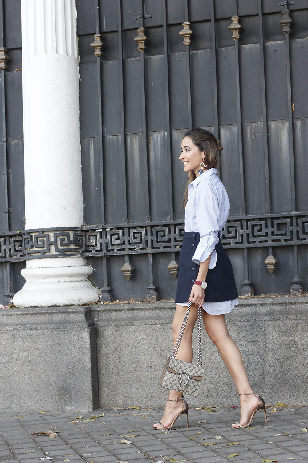 striped shirt blue navy skirt gucci bag heels outfit fashion style01