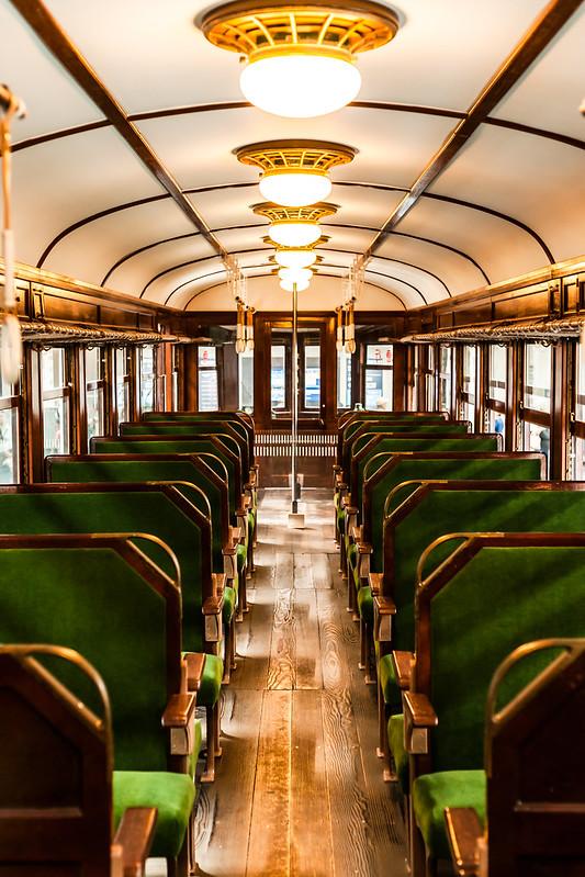 モハ52形式 電車内
