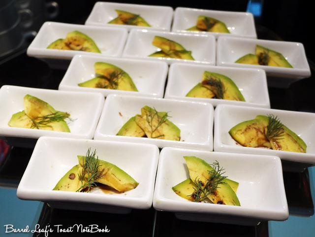ambassador-hotel-aqua-lounge-buffet (11)