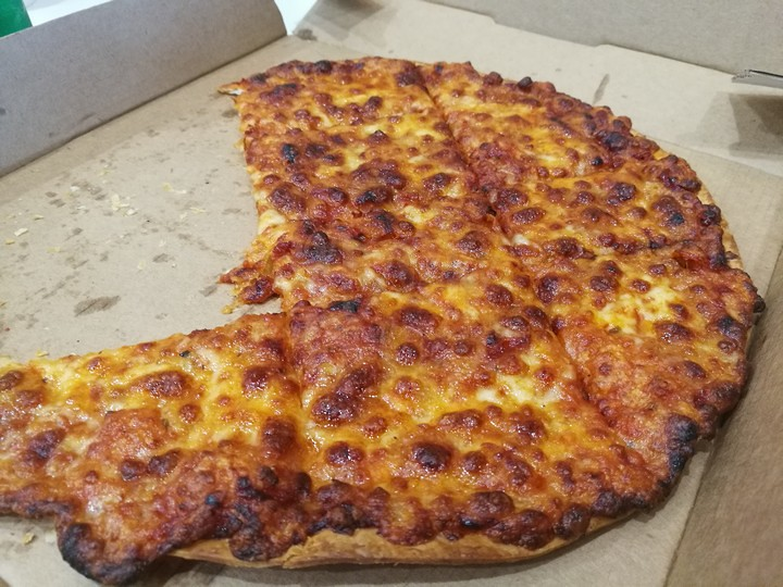dominos-thin-crust-cheese-pizza-6