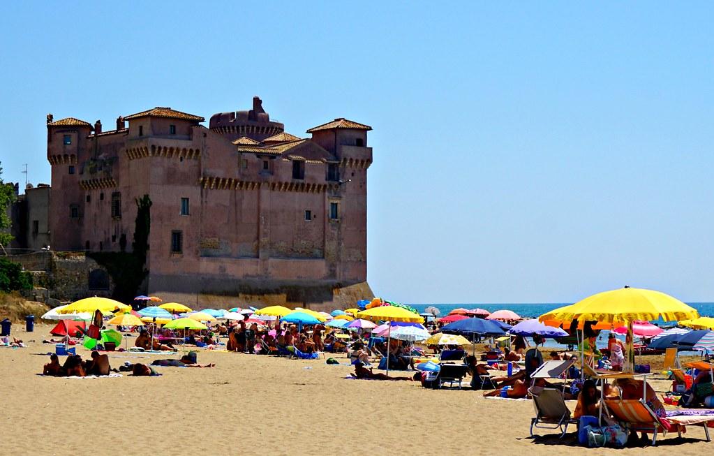 Santa Severan linna ja ranta