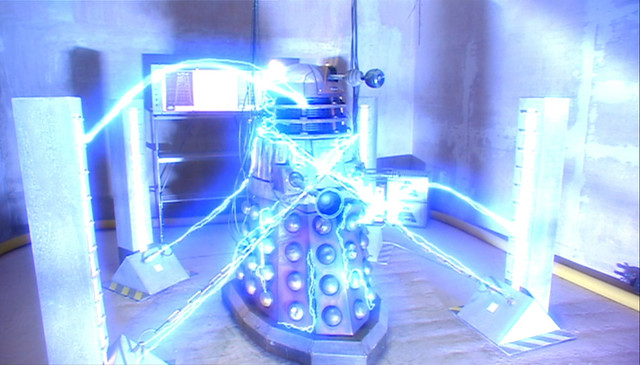 Doctor Who (2005) -1x06- Dalek -08-