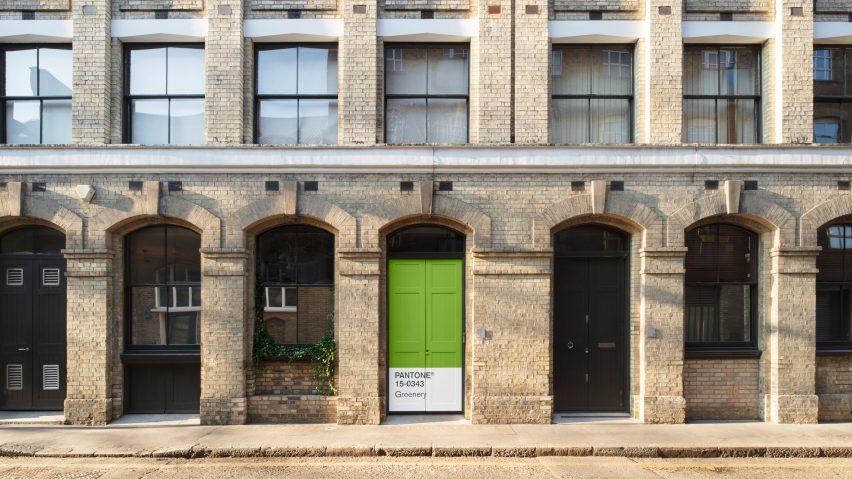 greenery-apartment-installation-airbnb-pantone-design_dezeen_2364_hero-852x479