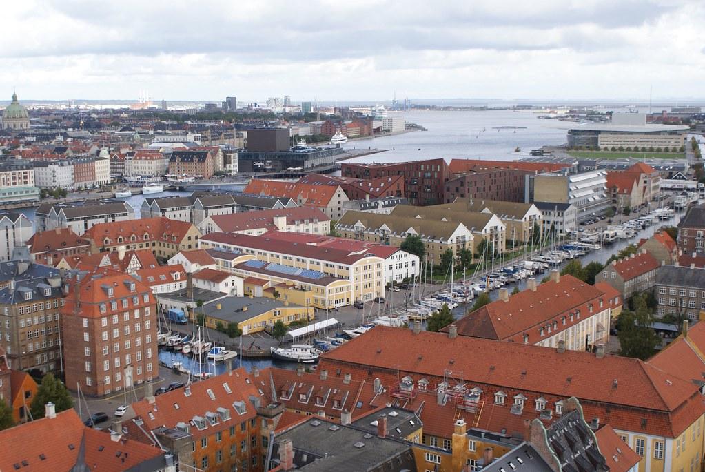 Vue sur le quartier de Christianshavn à Copenhague depuis l'église Notre Sauveur.