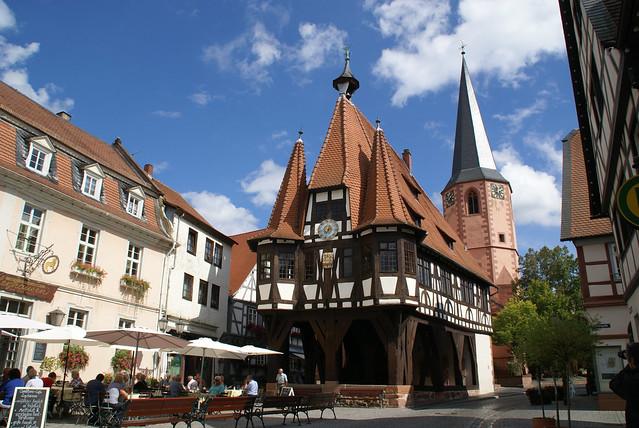 Michelstadt, Marktplatz, Löwenhof, Rathaus, Stadtkirche (Löwenhof, Town Hall, Town Church)