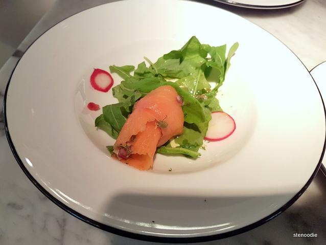 Salmon Bite (三文魚小吃)