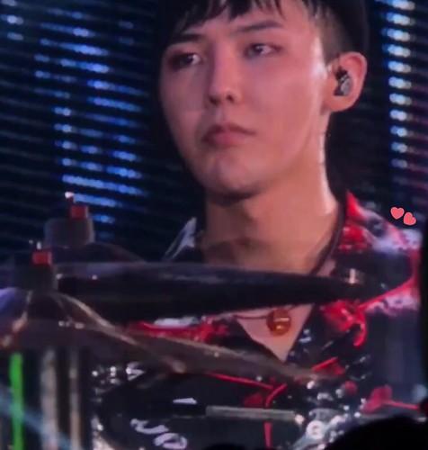 2017-08-23 G-Dragon World Tour 2017 [ACT III M.O.T.T.E] in Osaka Day 2 (2)