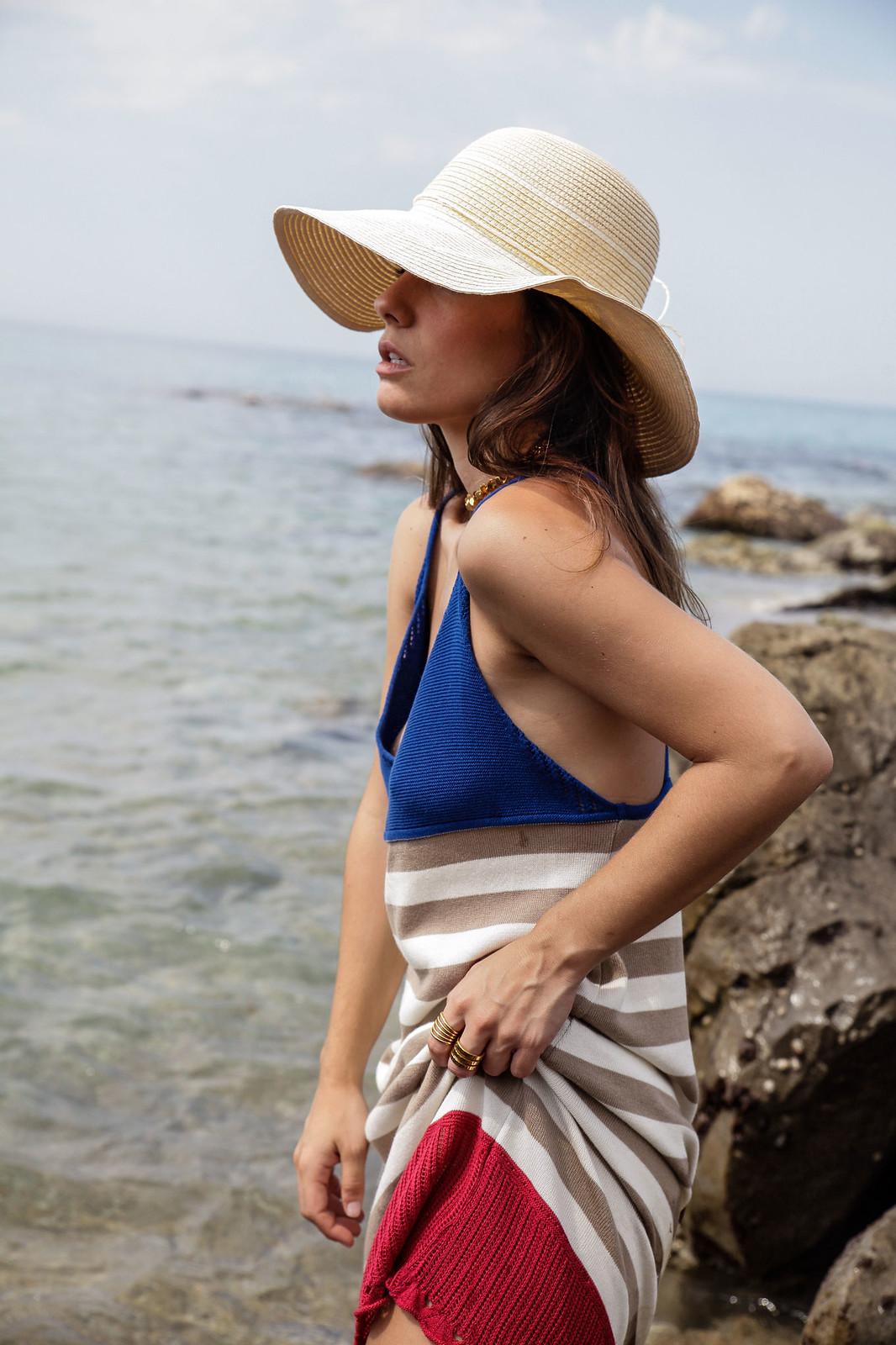 01_vestido_de_punto_rayas_rüga_coleccion_verano_the_guest_girl_ambassador_theguestgirl_barcelona_spain_cubelles_cala_secreta_sitges_influencer_moda_fashion_boho_
