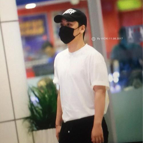 Seungri arrival KL 2017-08-11 (7)
