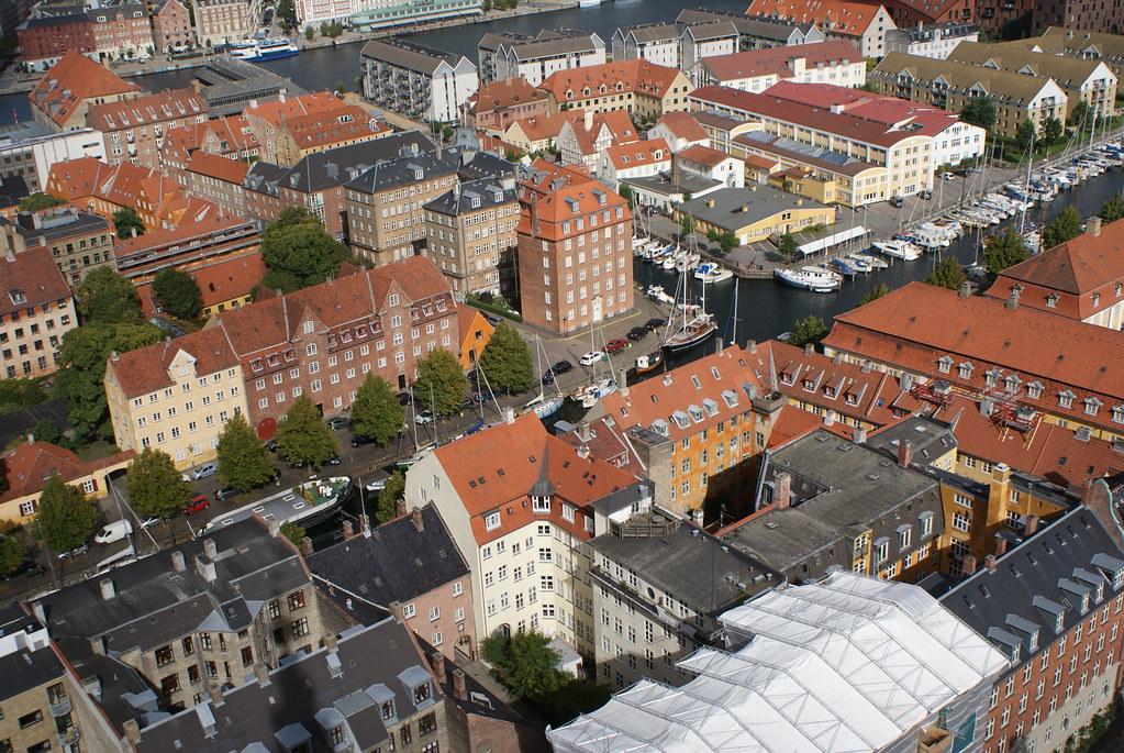 Vue panoramique sur le quartier de Christianhavn à Copenhague depuis l'église Saint Sauveur.