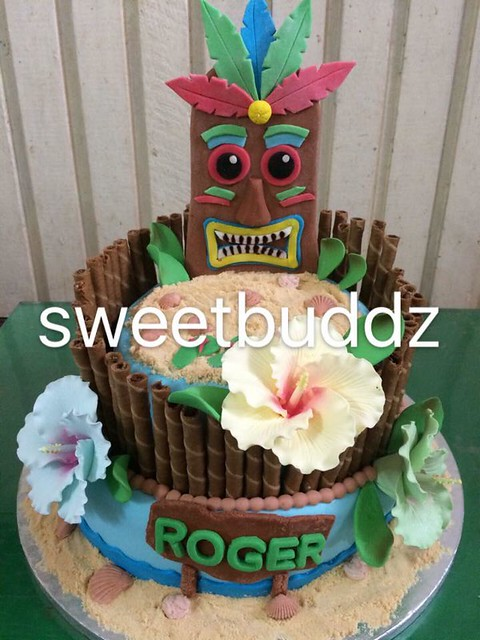 Luau Themed Cake by Shiela Punzalan of Sweet Buddz