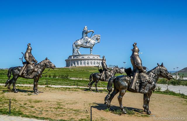 Mongolia Chiggis Khan Monument-5