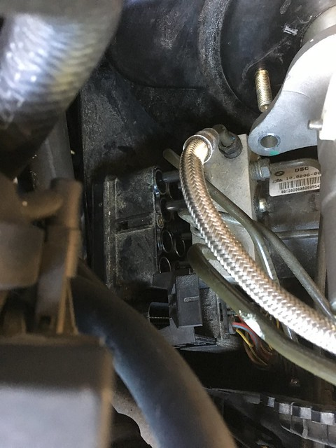 Replacing and recoding DSC unit without bleeding brakes on a