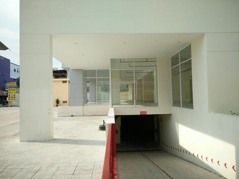 Chung cư Đông Hải sở hữu 1 tầng hầm, 15 tầng nổi và được chia thành 96 căn hộ với các loại diện tích 43; 50; 53; 60 m2.