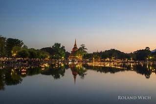 Sukhothai Historical Park - Loi Krathong