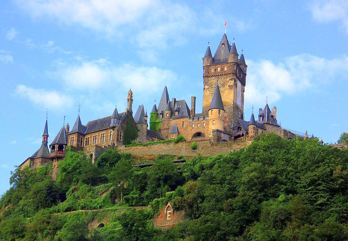 The castle at Cochem is a must visit in Moselle Valley