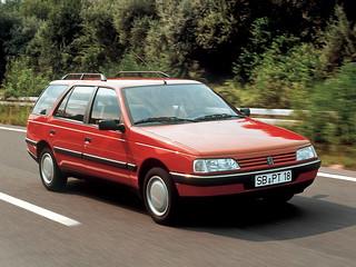Peugeot_405Break_1987_R1
