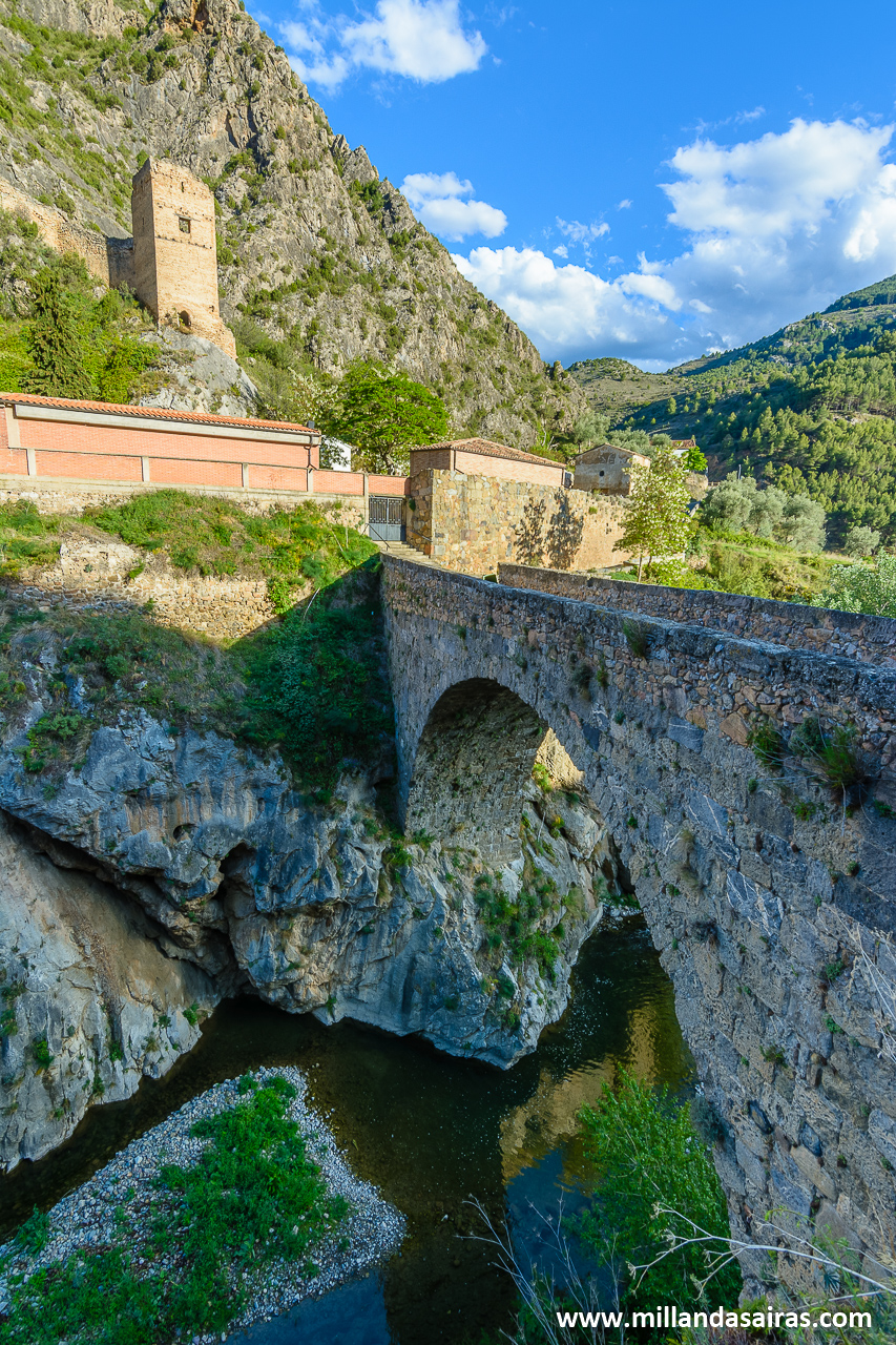 Castillo y puente de Arnedillo