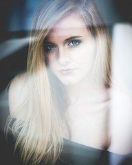 Sandra 08|2017  @sandynesa :heart:️ Make up @apartwerk_vanessa_renner_ :heart:️  Meet up. @denis_malemodel   #farbwolke #fensterliebe #sandynesa #portrait #portraitmood #portraitphotography #sensual #longhair #woman #nikon_photography #nikon #nikonliebe #
