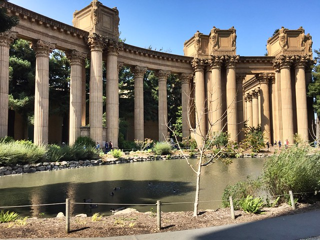 Palace of Fine Arts side view
