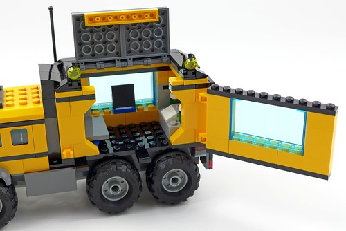 LEGO City Jungle 60160 Jungle Mobile Lab 45