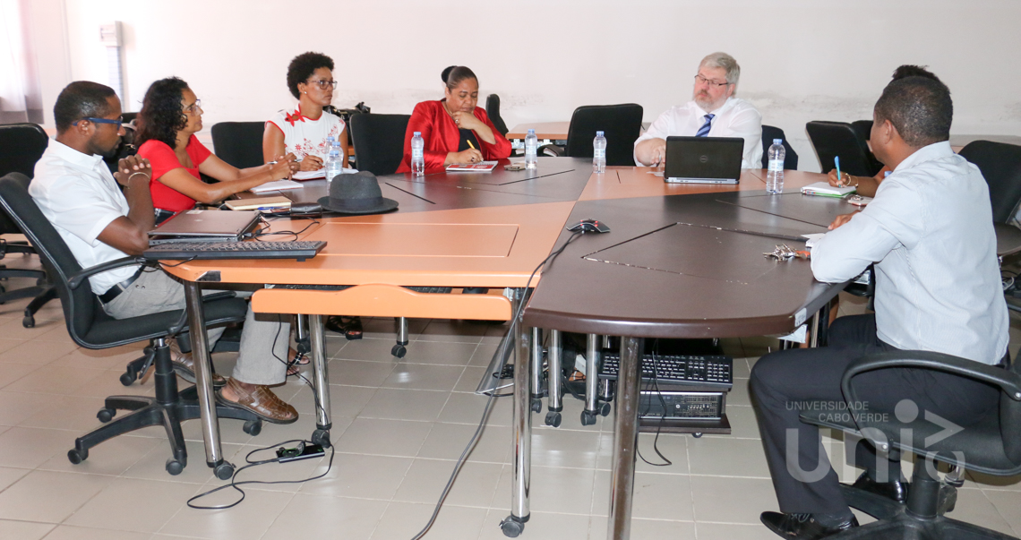 Diretor da Hochschule Bremen City University of Applied Sciences (Alemanha), reúne-se com equipa reitoral e dirigentes da Uni-CV