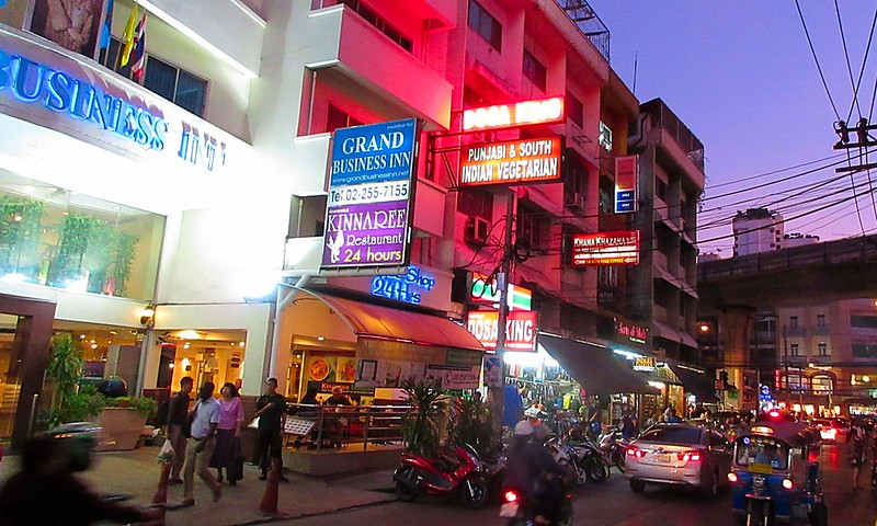 Restaurants bars Sukhumvit Soi 11 Bangkok