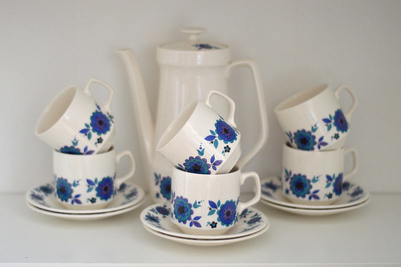 This is a picture of a retro 70s coffee set