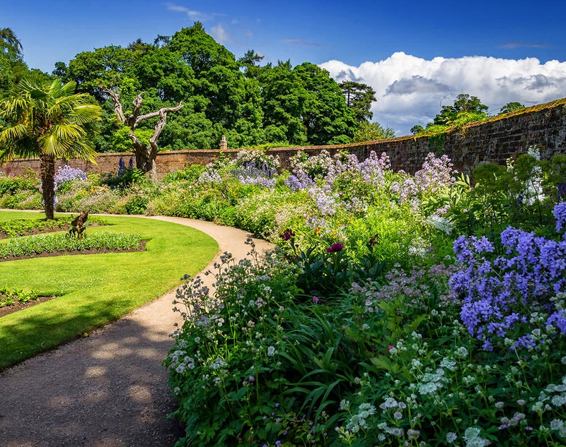 Calke Abbey Gardens, Derbyshire. Credit Bob Radlinski, flickr