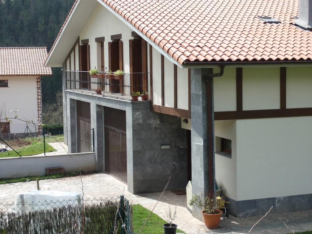 Herriko etxeak