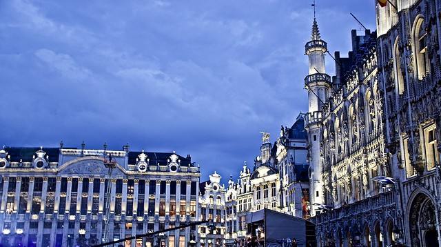 Brussels Grand Place (Grote Markt) at night